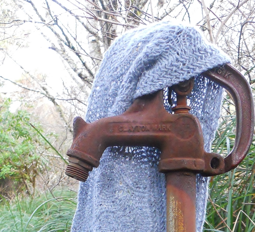 pump, lavender cowl, grass, tree