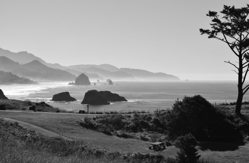 cannon-beach-black-white-2-1024x670